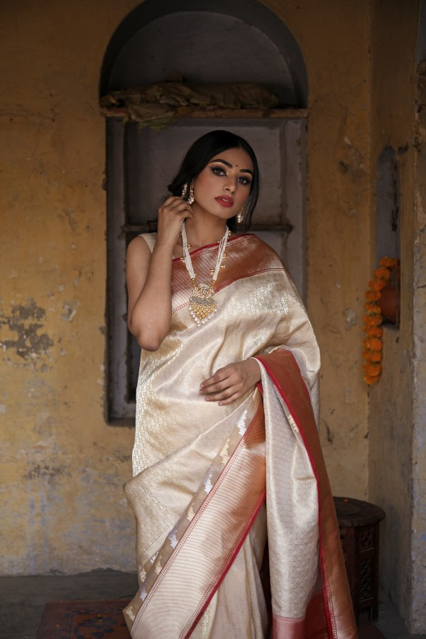 Handwoven Cream  colour brocade banarasi Organza saree