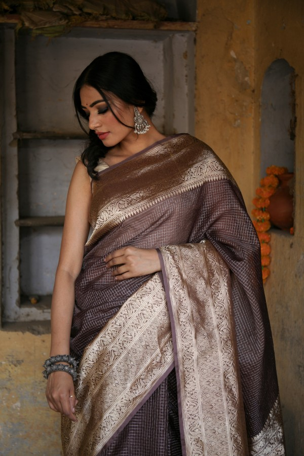 Handwoven coffee brown colour banarasi Organza saree